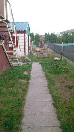 Albergue del Glaciar Libertador: Jardin exterior