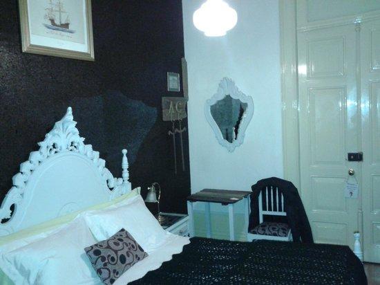 Alvares Cabral Guest House: Room