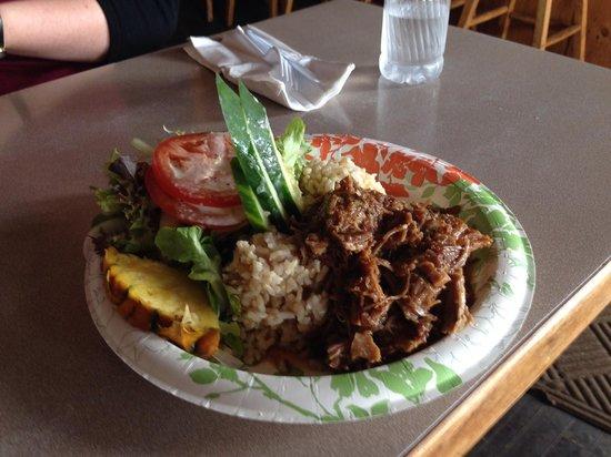 Grass Skirt Grill: Pulled Pork Platter