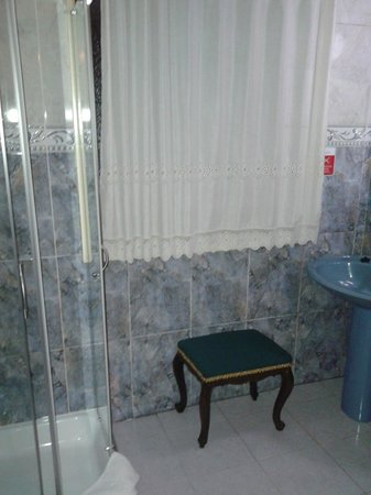 Alvares Cabral Guest House : Bathroom