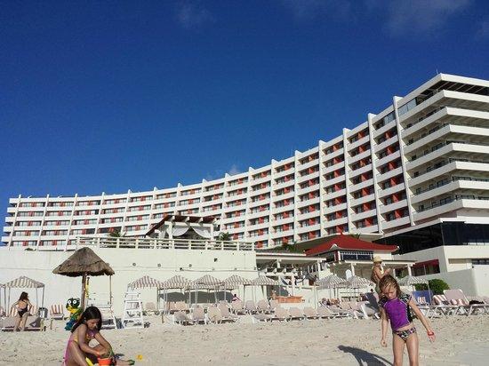 Crown Paradise Club Cancun: Hotel view from beach