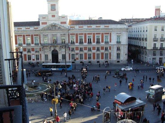 Hostal Residencia Americano: Vista para a Plaza Puerta del Sol