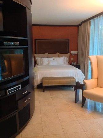 Z Ocean Hotel South Beach : Standard room. Very spacious.