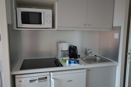 Pierre & Vacances Residence Tilia : Кухонный уголок