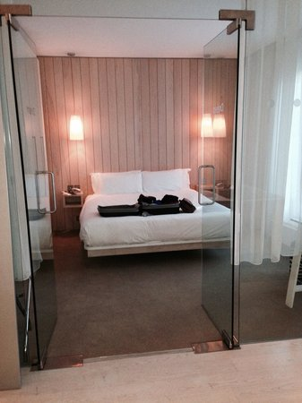 The Morgan: Room 326,separate bedroom with glass doors!!!