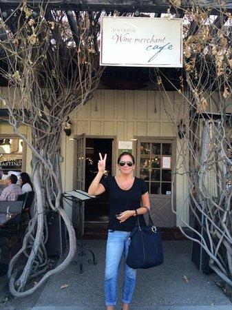 Los Olivos Wine Merchant & Cafe: Boa experiência.