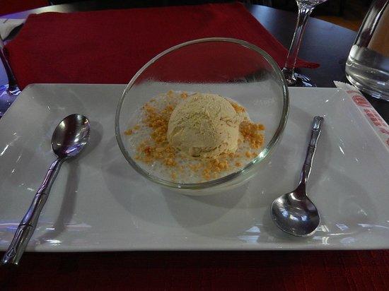 """Restaurant La Baie d' Halong : Dessert """"chè chuôi"""" (perles de tapioca à la banane)"""