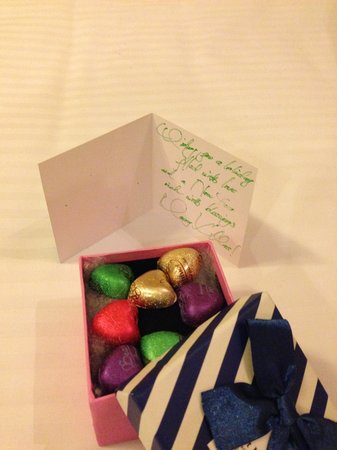 Hanoi Elegance Ruby: Chocolates for Christmas Day, lovely touch