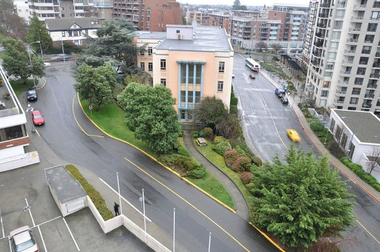 Chateau Victoria Hotel and Suites: View from room to street - looking SE