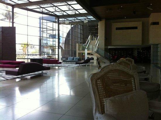 Hotel Unique : Lobby