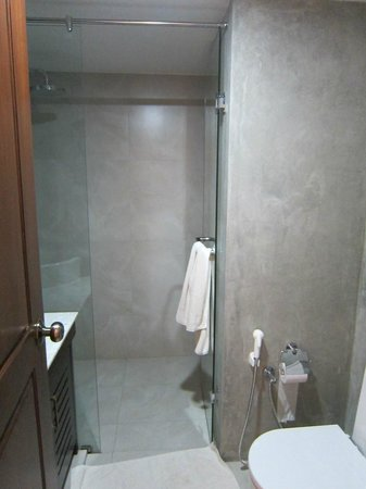Swiss Residence: Salle de bains