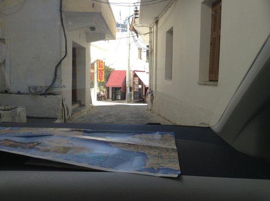 Xenia Hotel: Narrow passage
