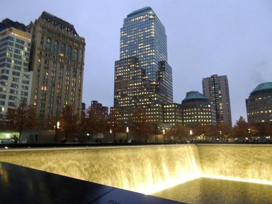 Mémorial du 11-Septembre : Piscina