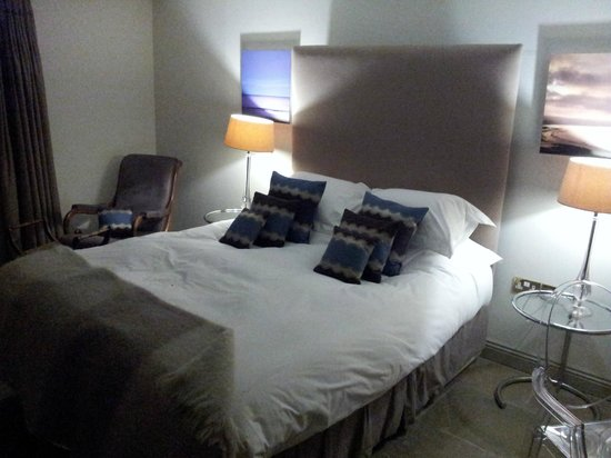 The White Swan Inn : Comfy bed, no hollowfibre here