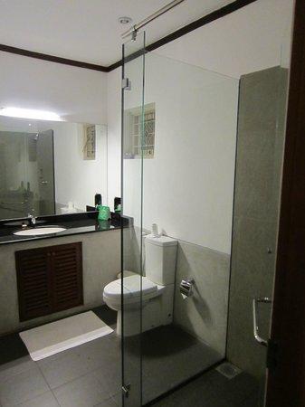 Tamarind Tree Hotel : Salle bain