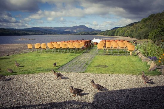 Venachar Lochside: Outdoor wedding
