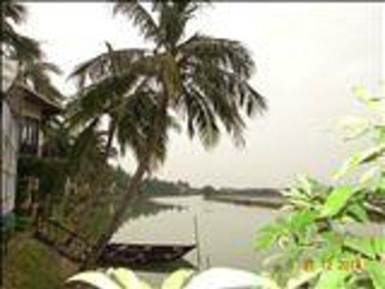 Hoi An Riverside Resort & Spa: Vista seduta dal ristorante
