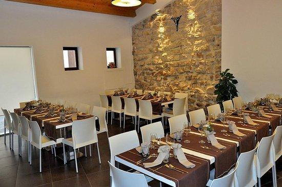 Preferenza disposizione tavoli 4 - Foto di Disio Ristorante, Comiso - TripAdvisor VE02