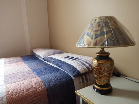 La Orquidea Hostel: habitacion comoda