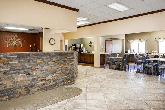 Heartland Inn - Coralville: 24 Hour Coffee Bar