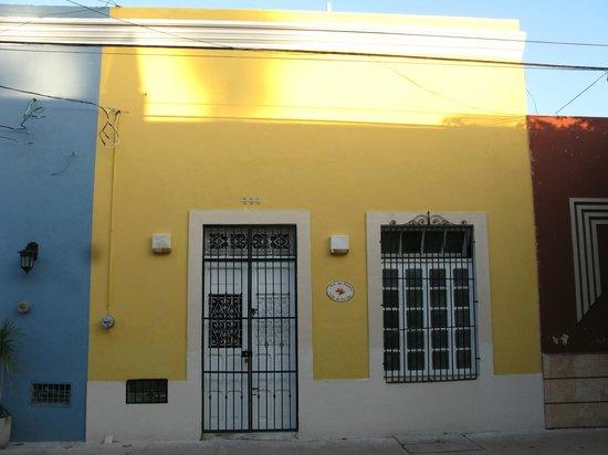 Ave Del Paraiso: Bistro Ave del Paraíso, Calle 66 #444 x 47A y 53