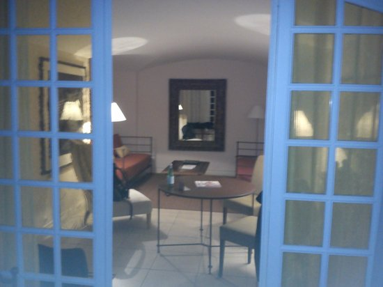Baumanière les Baux de Provence : what i saw once i opened the door to my room
