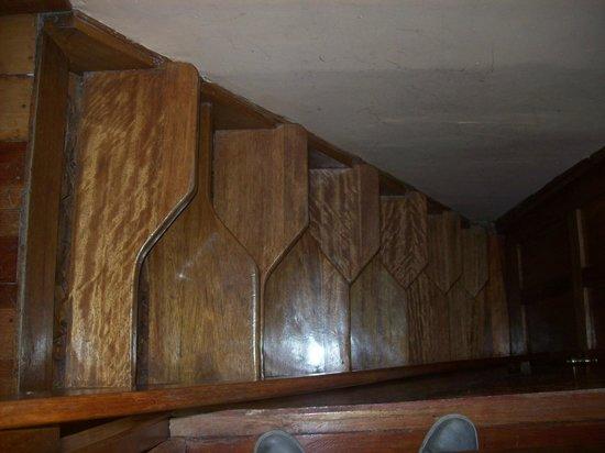 Amaru Hostal: Escalera incómoda para acceder a la habitación