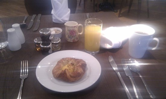 The Bell Inn Hotel : Some of breakfast