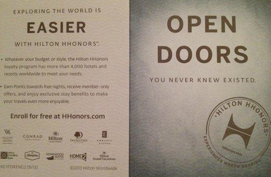 Hilton Miami Downtown : Paper Keychains