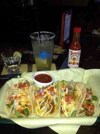 Winchester, CA: Great place!!! Taco Tuesday!!!