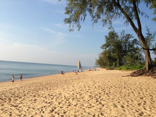 JW Marriott Phuket Resort & Spa: Beach front outside hotel grounds