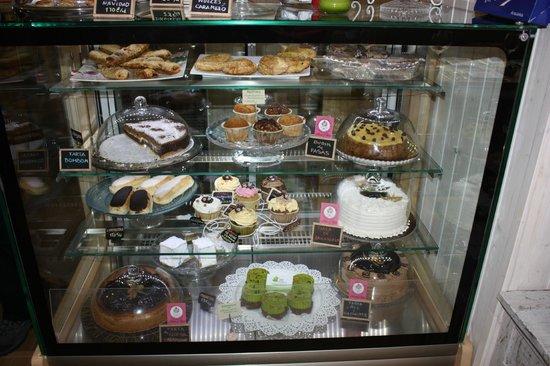 Café del Valle: vitrina de tartas