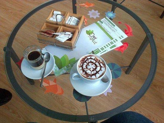 Café del Valle: café para dos: capuccino y bombón