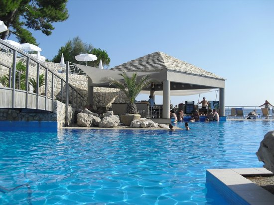 Hotel Dubrovnik Palace: swim up bar