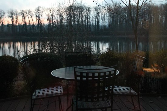 River's Edge Hotel & Spa : River from Aquariva