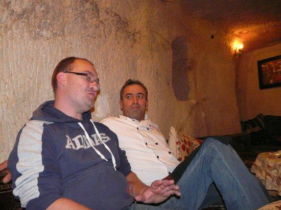Topdeck Cave Restaurant: Mustafa, a gentleman's gentleman.