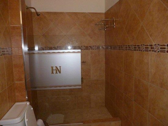 Hosteria Nahuel : baño