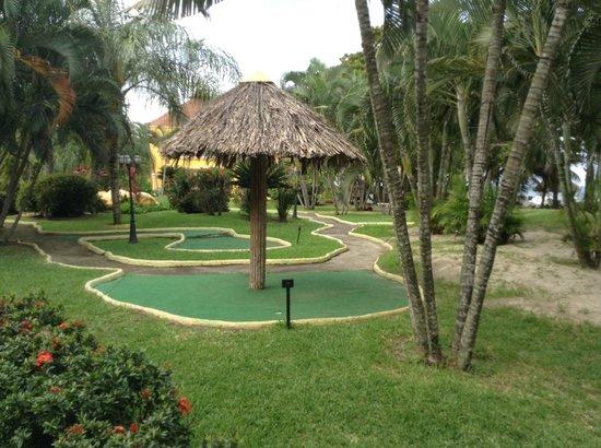 Palma Real Beach Resort & Villas: golf