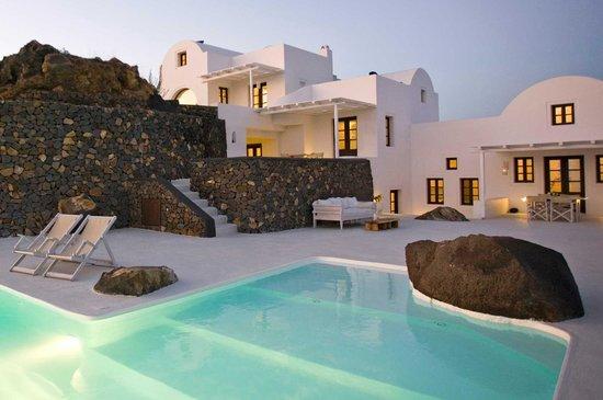 Aenaon Villas: exterior