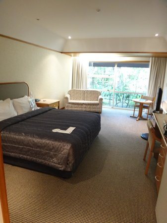 Commodore Airport Hotel, Christchurch: the room