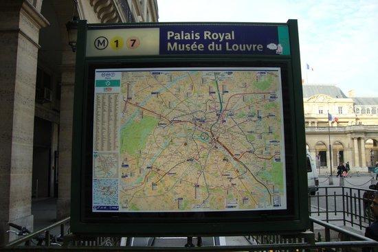 Ibis Styles Paris Gare de l'Est Chateau Landon: Mapa da estação de metrô do Museu do Louvre.