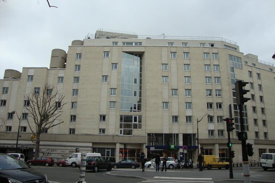 Fachada do hotel picture of ibis styles paris gare de l for Chateau hotel paris