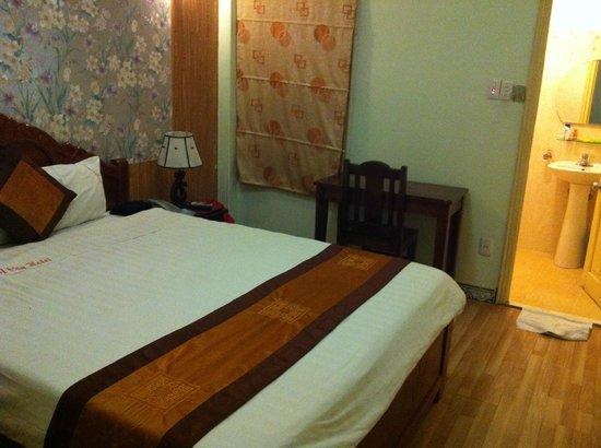 Camel City Hotel: Room