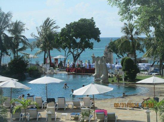 Discovery Kartika Plaza Hotel: From the lobby balcony