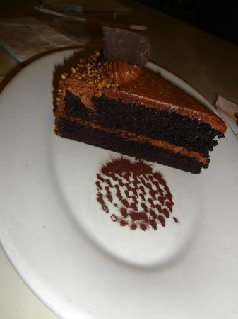 Tony's Town Square Restaurant: Chocolate cake