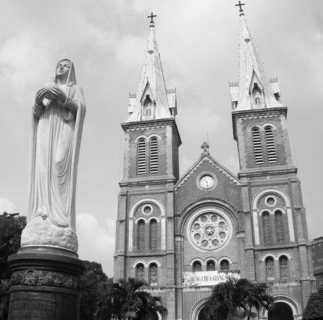 Ho Chi Minh City Urban Adventures: Notre Dame Church