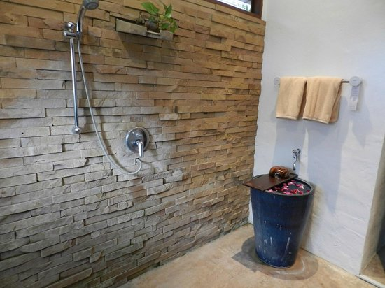 The Legend Chiang Rai: Room 261 -- Orchids in the Shower
