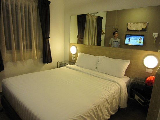 Red Planet Asoke, Bangkok : the bed