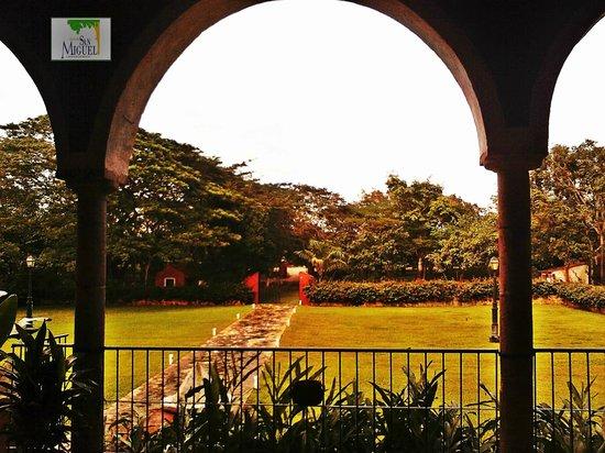 Hacienda San Miguel: Vista jardines principales