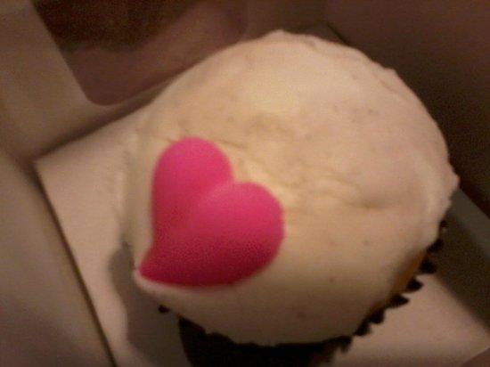 Panera Bread : Vanilla cupcake